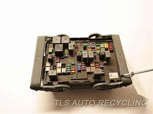 2007 Cadillac Escalade Fuse Box - 19210437 - Used
