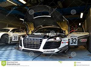 Garage Audi 92 : audi garage editorial image 27276458 ~ Gottalentnigeria.com Avis de Voitures