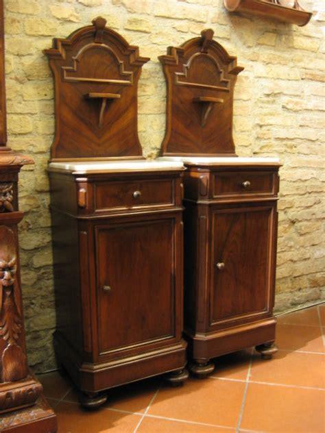 Comodini Antichi by Comodini Antichi Negozio Antiquariato A San Gimignano