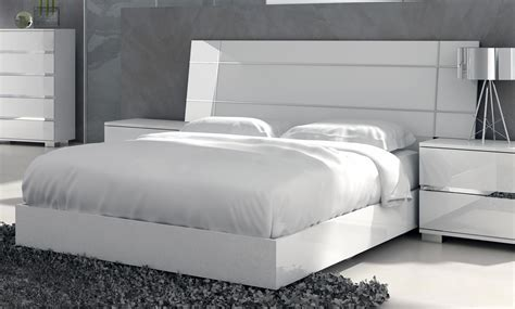 Dream Modern Bed