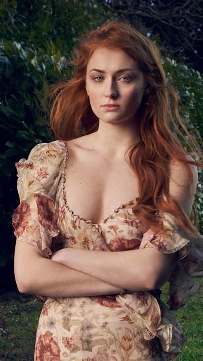 Turner Sophie Photoshoot Cleavage Sansa Stark Actress
