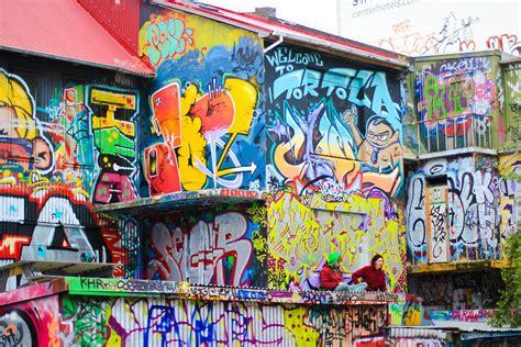 Graffiti Online Wall : Graffiti Under Threat As Street Art Moves Online