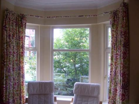 Kitchen Curtain Ideas For Bay Window by Kitchen Bay Window Curtains Decor Ideasdecor Ideas