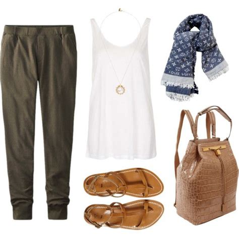 Cute Comfortable Travel Outfits