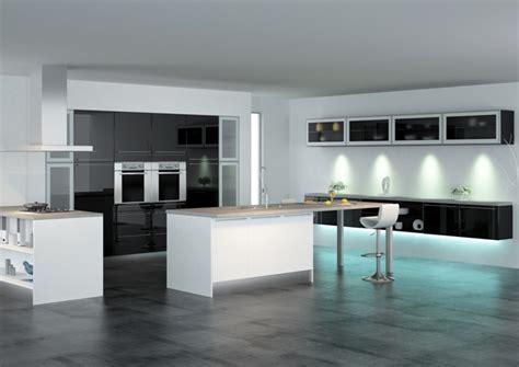 modele cuisine noir et blanc discac cuisine équipée laquée brillant modèle cristal