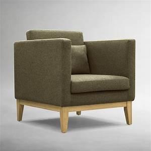 Sofa Beine Holz : day p sessel mit gestell und beine aus holz gepolstert und mit stoff bezogen in verschiedenen ~ Buech-reservation.com Haus und Dekorationen