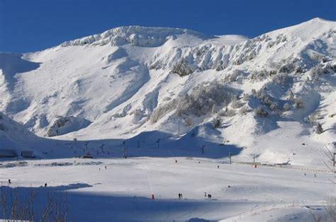 le mont dore ski resort guide ski area ski accommodation