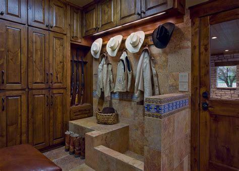 Ranch - Rustic - Entry - Austin - by Linda McCalla Interiors
