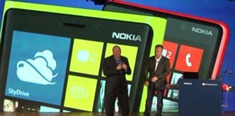 nokia announces lumia 920 and 820 with windows phone 8