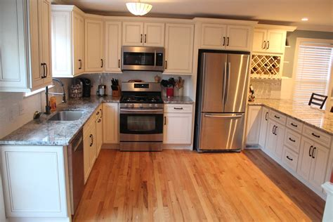 pictures of kitchen cabinets and countertops charleston cabinetry charleston sc kitchen cabinets