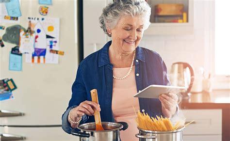 cooking seniors benefits psychological dec communities