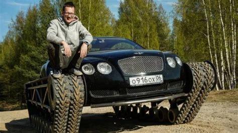 Modifikasi Bentley Continental by Nyentrik Bengkel Ini Modif Sedan Bentley Pakai Roda Tank
