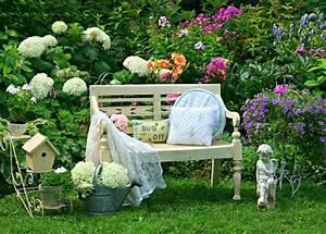 decoration jardin pots de fleurs With déco chambre bébé pas cher avec gros pot de fleur en plastique pas cher