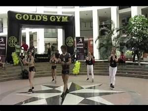 AEROTRAINING EN GOLDS GYM EXHIBICION PITBULL EXTREME - YouTube