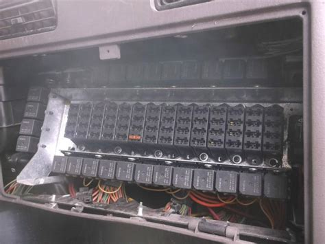 Freightliner Trucks Fuse Box Wiring Diagram Images
