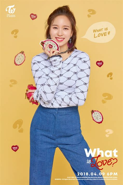 "Update Twice Reveals Adorable Photo Card Images For ""what"