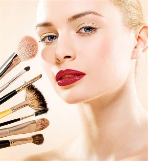 Maquillage Pour 16 Astuces Maquillage Pour Se Faciliter La Vie Cosmopolitan Fr