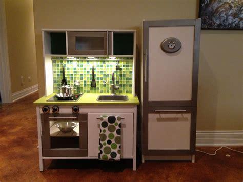 cuisine ikea duktig ikea duktig mini kitchen makeover added paint tile