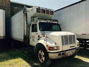 International 4700 Dt466e  2001    Van    Box Trucks