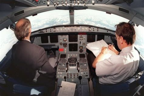 Les Pilotes D'airbus A330 Et A340