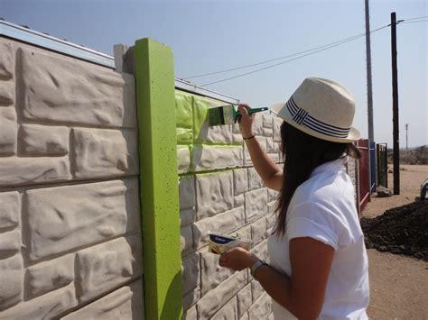 les techniques pour peindre un mur ext 233 rieur en b 233 ton ou en briques bricobistro