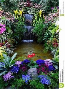 Jardin D Interieur : jardin d 39 int rieur photo libre de droits image 16739805 ~ Dode.kayakingforconservation.com Idées de Décoration