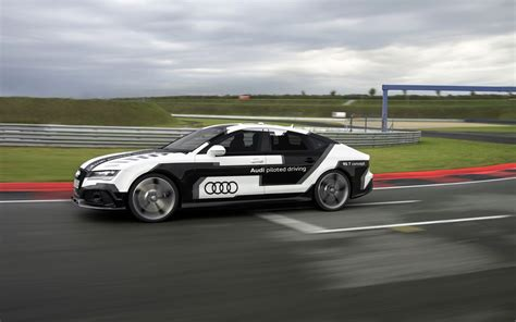 2018 Audi Rs 7 Piloted Driving Concept Motion 4