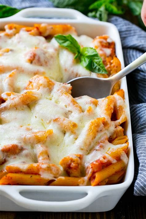 Hot sauce is added to both the shredded chicken and the here's an easy, tantalizing chicken breast recipe that makes a delicious topping for angel hair pasta or spaghetti. chicken parmesan penne pasta