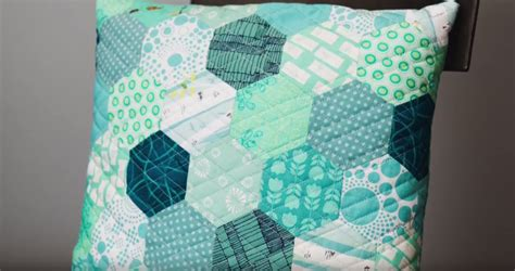 easy english paper piecing hexagons technique favecraftscom