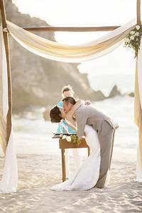 having the beach wedding ideas best wedding ideas With simple beach wedding ideas
