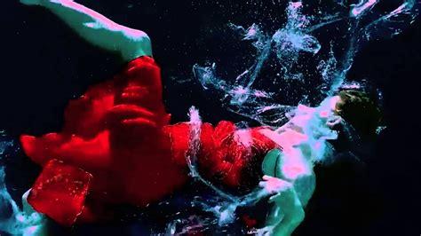 watermark underwater video installation  gisele lubsen