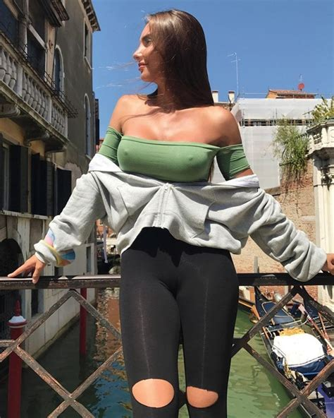 Super Hot Girls In Tight Clothes Pics Thesexier