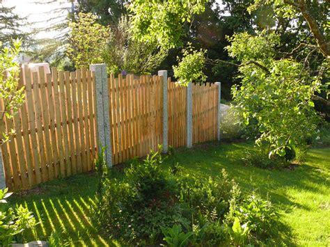 Zaunsichtschutznaturholz Gartengestaltunggartenbau