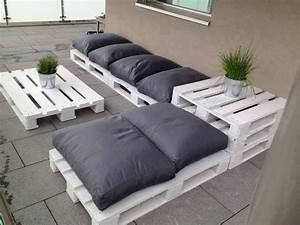 meuble en palette 81 idees diy pour votre espace maison With canapé d angle en palette de bois
