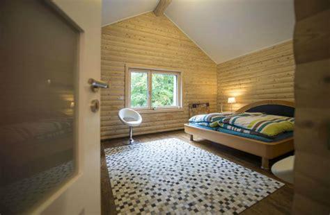 chambre avec lambris bois chambre en lambris bois maison design mochohome com