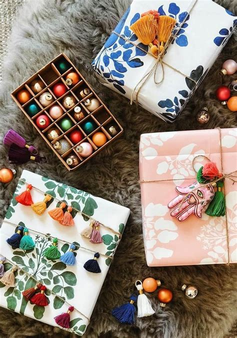 bohemian christmas gift wrapping chic  artistic ideas