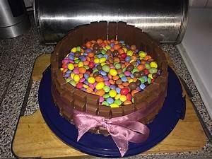 Candy Cake ein amerikanischer Kuchen mit Süßigkeiten von