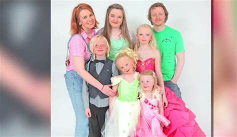 Child Beauty Pageants Cons  Wwwpixsharkcom Images