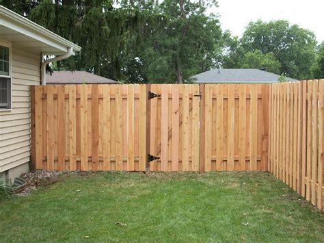 cap kayu cheap privacy fence ideas
