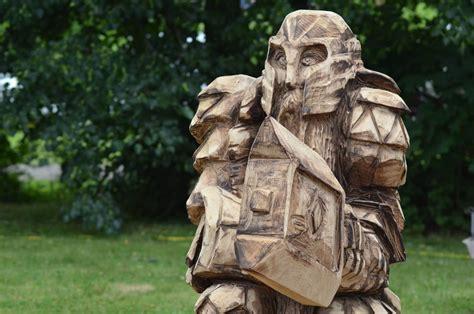 Holzskulpturen Für Den Garten by Holzfiguren F 252 R Den Garten Geschnitzte Skulpturen