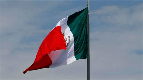 Hundreds in downtown Fresno celebrate Mexican Independence ...