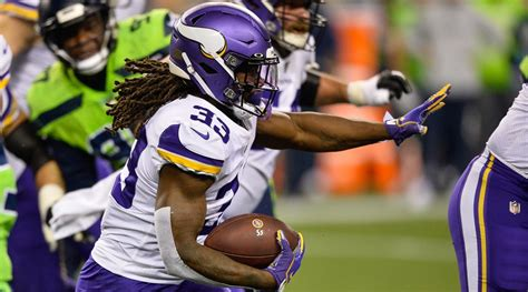 dalvin cook injury news vikings rb exits  seahawks