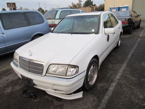We can help you calculate and track your fuel economy. 2000 Mercedes-Benz C230 - Speeds Auto Auctions