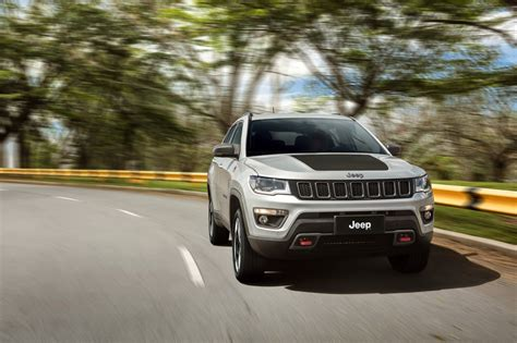 jeep compass 2017 white 2017 jeep compass poses for the camera in all trim levels