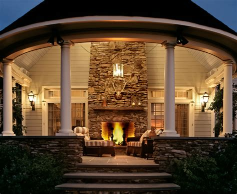 Outdoor Fireplaces : 6 Outdoor Fireplaces