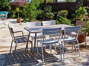 Mobilier De Jardin Fermob : terrasse avec mobilier de jardin luxembourg couleur blanc coton et muscade fermob www ~ Dallasstarsshop.com Idées de Décoration