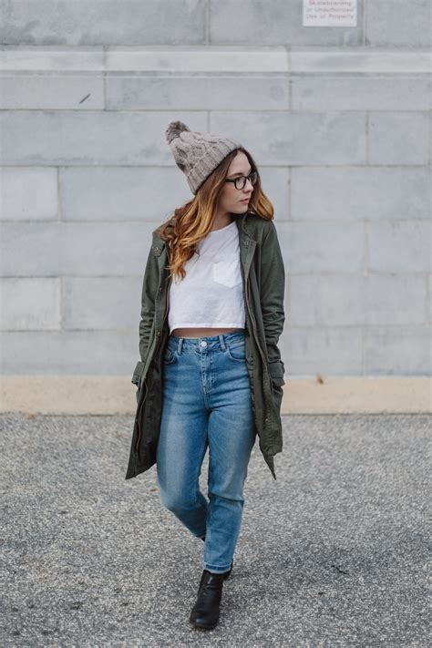 My Style Urban Outfitters Girlfriend Jeans — Abby Johnson
