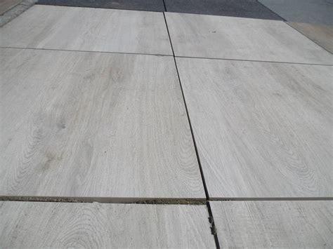 terrassenplatten feinsteinzeug feinsteinzeug terrassenplatte genua wood weiss rc 60x60x2