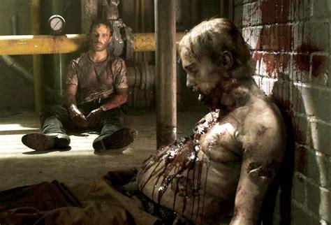 zombies walking dead walker disgusting gross lori tv grossest zombie4