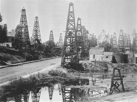 File:The first oil district in Los Angeles, Toluca Street ...